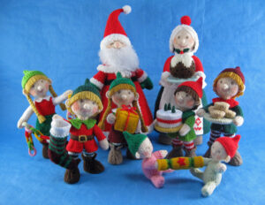 Santas Grand Family knitted toys