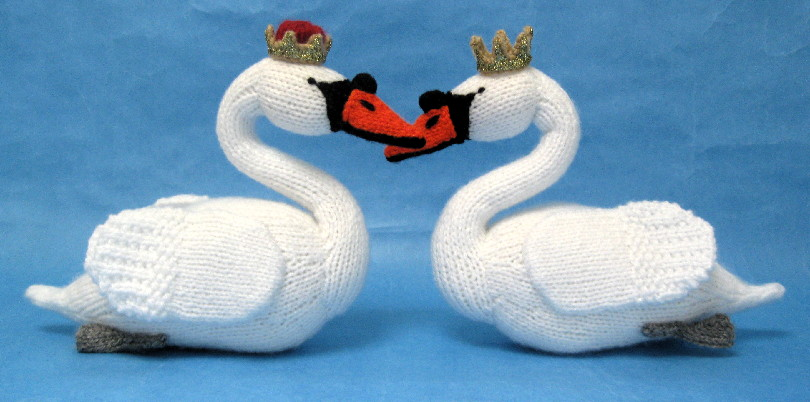 Swan Sweethearts