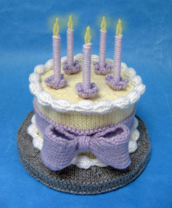 Knitting Cake Designs : Birthday cake free alan dart