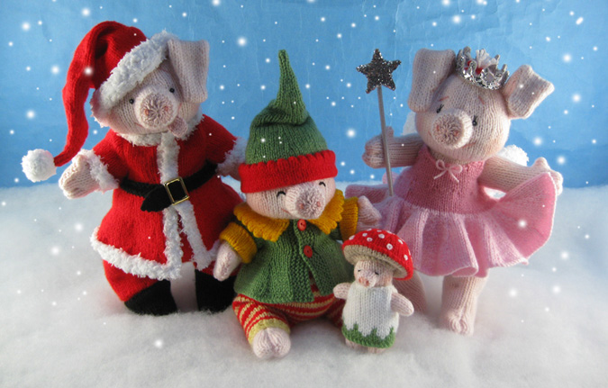 The Piggles Christmas Costumes**