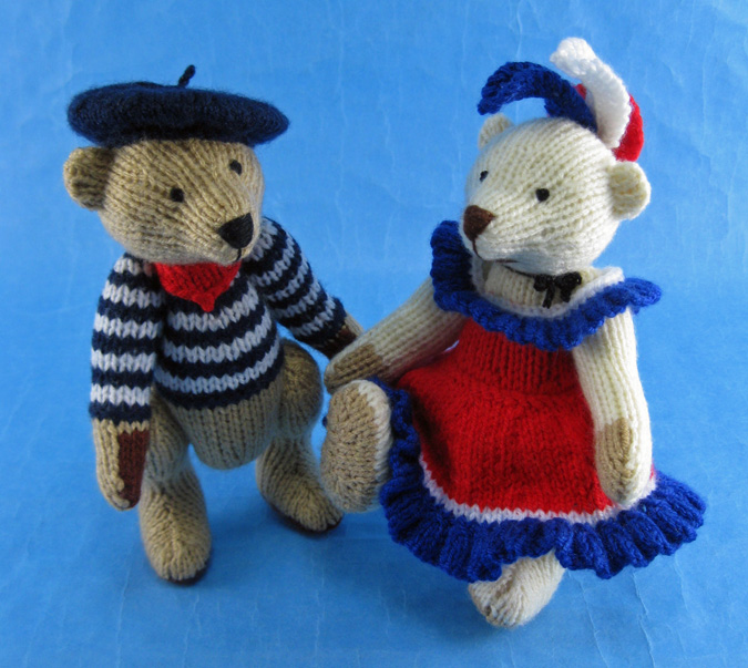 Free Pattern For Knitted Leg Warmers : Bearnard et Bearnadette* - Alan Dart Alan Dart