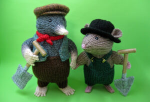 Messrs Hills & Digginson knitted Toys